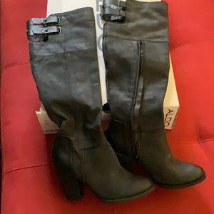 Black boots-tall